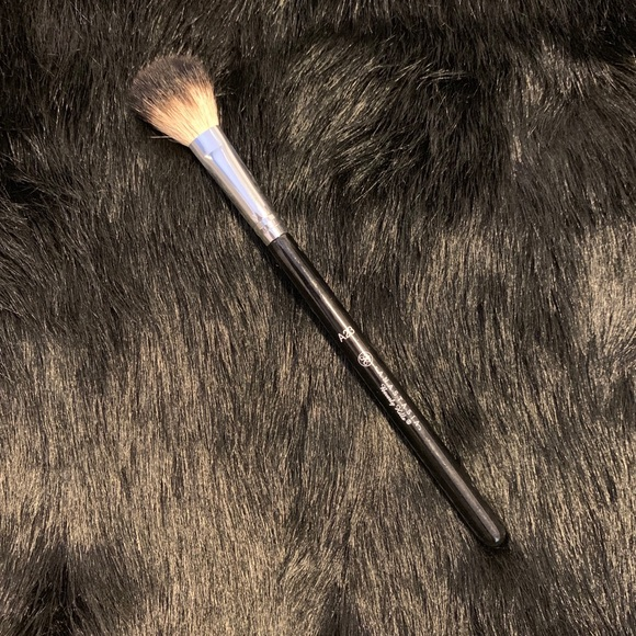 Anastasia Beverly Hills Other - Anastasia Beverly Hills A23 Brush